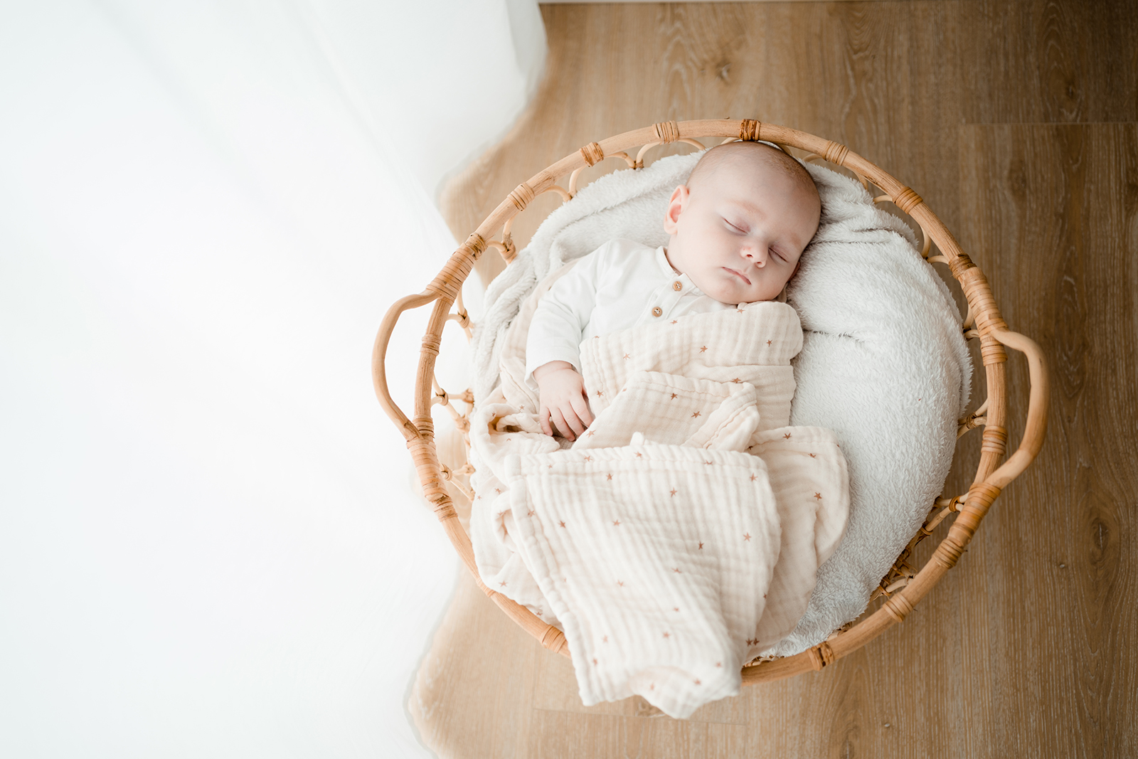 NELLI_BRINKMANN_FOTOGTRAFIE_FAMILIE_BADOEYNHAUSEN_BABY